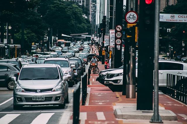 Différences entre la vie à la vie ou à la campagne: Le bruit des voitures