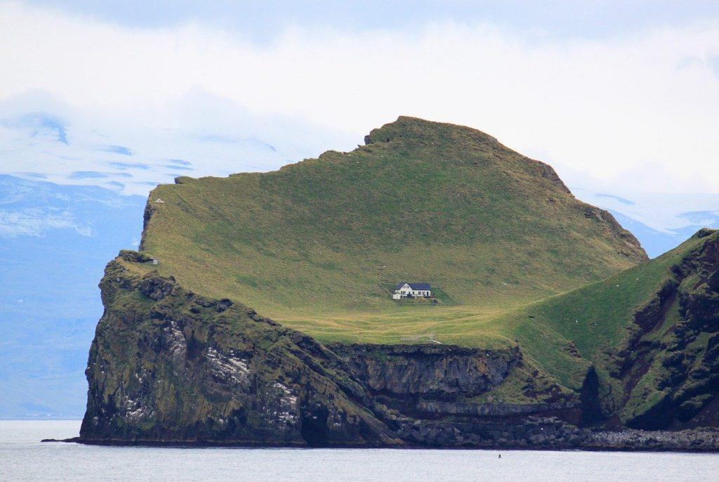 Vivre seul sur une île