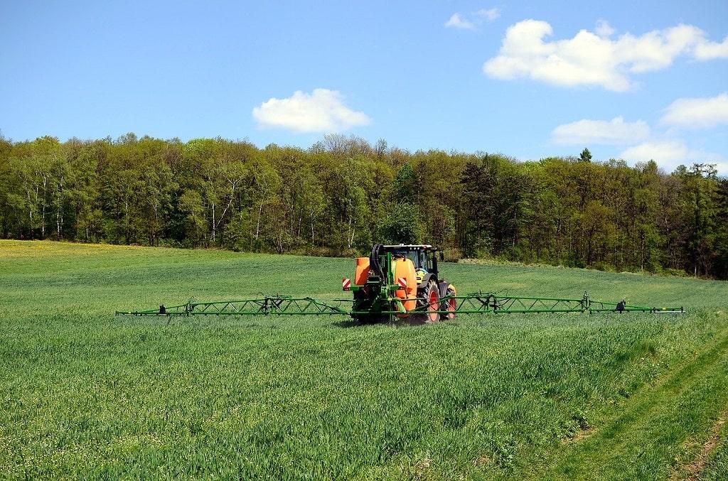 Ne pas ramasser près des zones agricoles récemment traitées