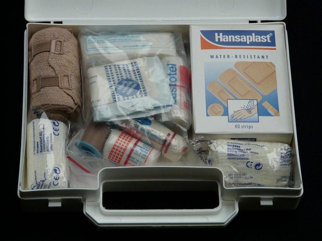 Devenir survivaliste: Kit de premiers secours
