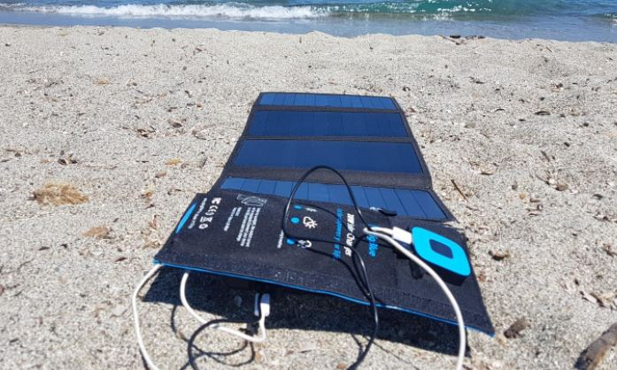 Chargeur solaire portable Bigblue 24W